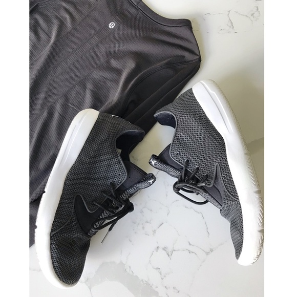 Jordan Eclipse Black Women S 8 5 Boys 7y